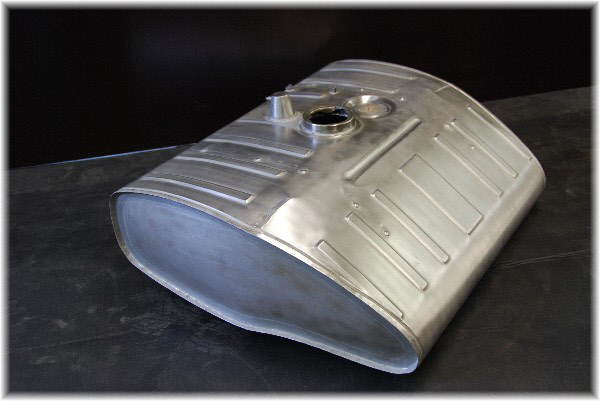 Aluminium benzinetank op maat
